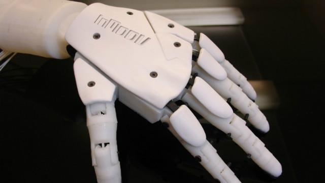 Figure 4. Inmoov robotic hand (Gael Langevin, 2015)