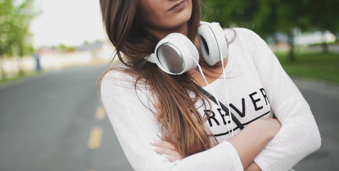 black-friday-headphones