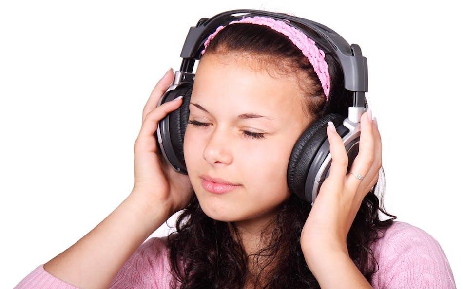black-friday-wireless-headphones