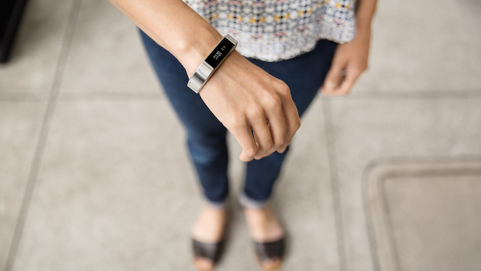 Fitbit's Cyber Monday 2018 Deals (Alta HR, Charge 3, Ionic, Versa)