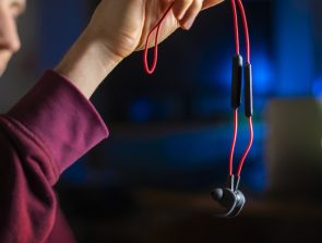 Best Tangle Free Earbuds of 2019
