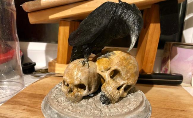 Raven Skull Statue