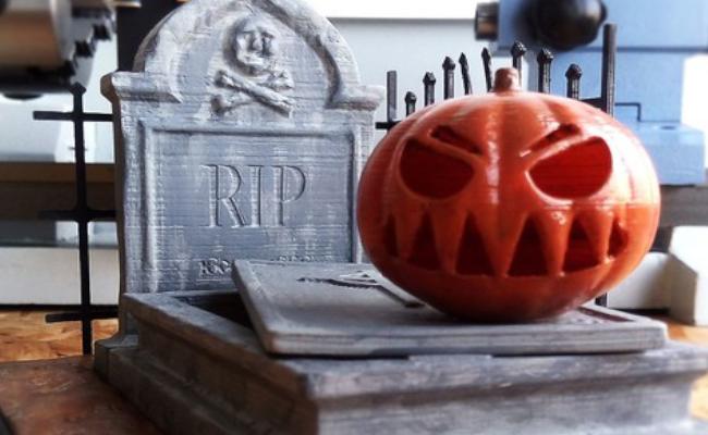 Halloween Grave with Pumpkin head