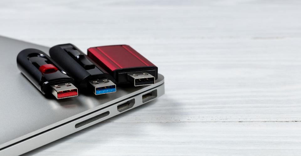 cyber-monday-usb-flash-drive