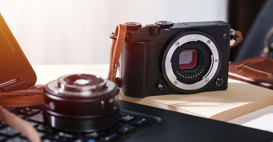 Mirrorless Cameras on Sale for Black Friday 2019 (Sony A6000, A7 II, and A7 III)