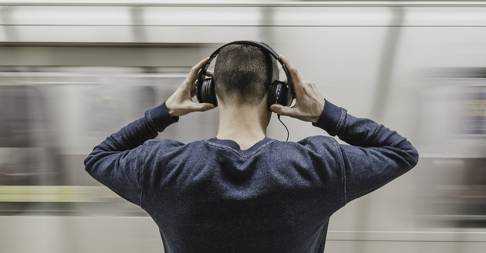 14 Best Cheap Budget Headphones