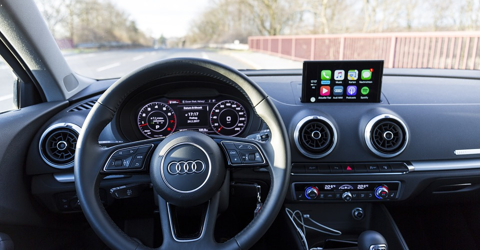 What is Apple CarPlay and How to Install It Yourself