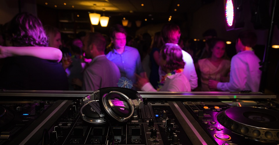 10 Best Headphones for EDM