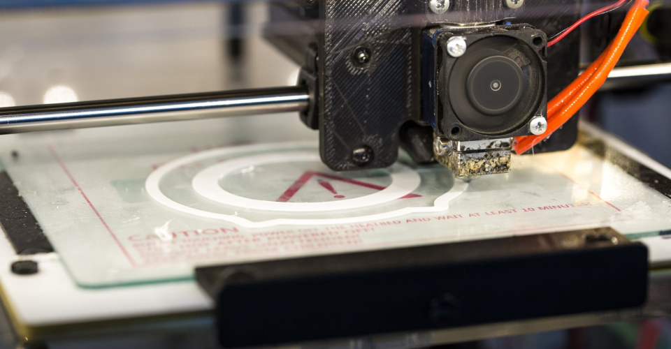 Dealing with Overhangs in 3D Printing
