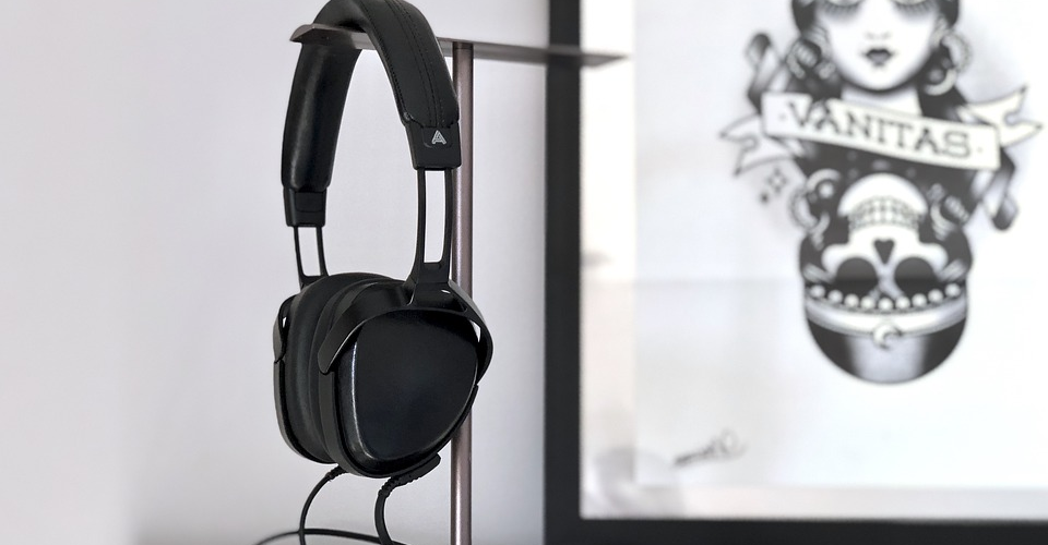 8 Best Stylish Headphone Stands of 2019