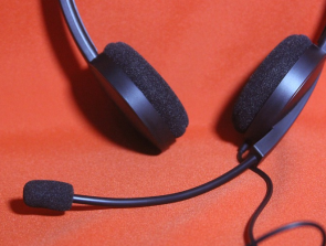 Headset vs Headphones: What is the difference?