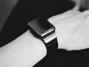 How Big is the Wearables Industry? Interesting Statistics and Trends
