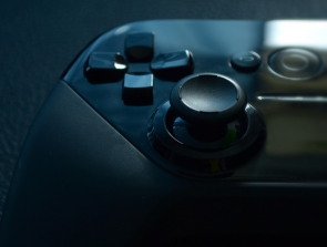 8 Best Android Game Controllers for Your Phone
