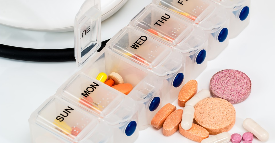 6 Best Automatic Pill Dispensers of 2019