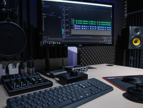 7 Best Podcast Starter Kits to Get Started