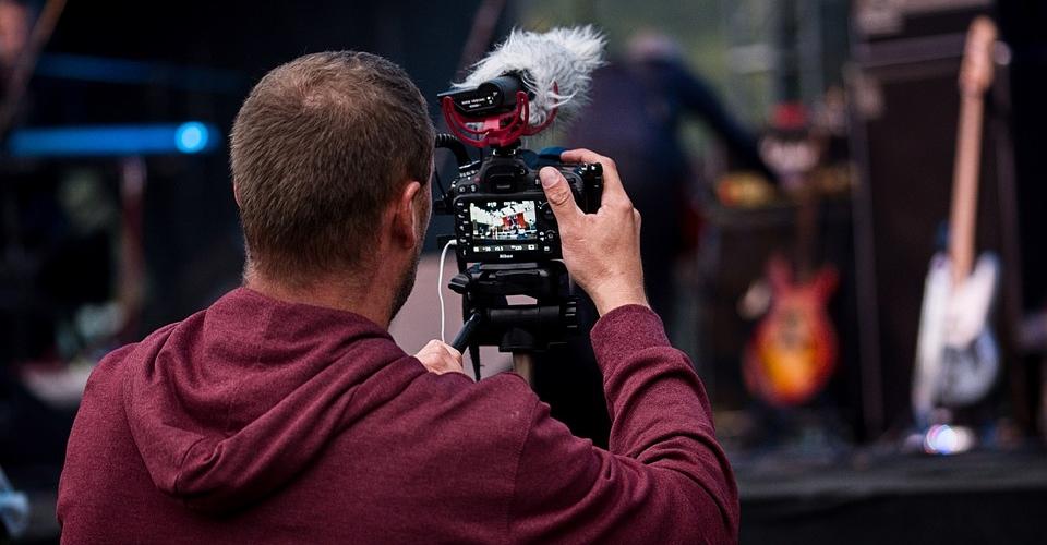 8 Best Lavalier Microphones for DSLR Cameras