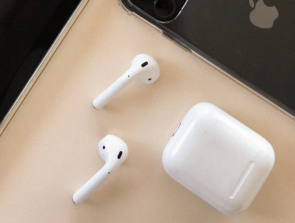 Apple Airpods 2 and Airpods Pro Black Friday 2019 Deals