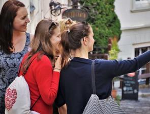 8 Best Selfie Cameras for all Budgets