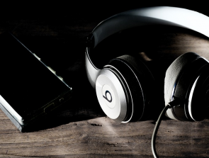 Headphones Comparison: Beats Studio3 vs. Beats Solo3