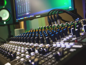 Essential Recording Studio Setup Gear – What You Must-Have