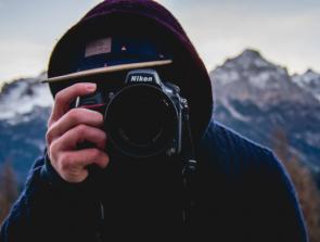 6 Best Nikon Travel Lens Picks for 2020