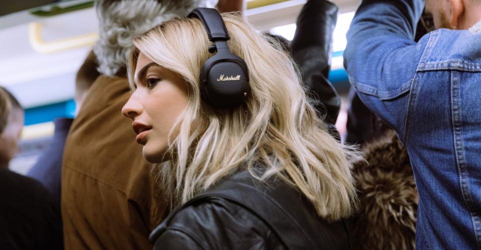 Headphones Comparison: Beats Solo Pro vs. Marshall Mid ANC