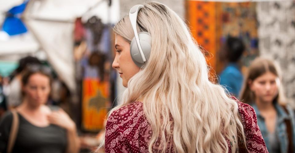 Headphones Comparison: Bose QC 35 II vs. Bose 700