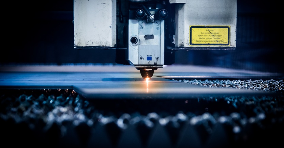 CO2 Laser vs. Fiber Laser: How Are They Different?