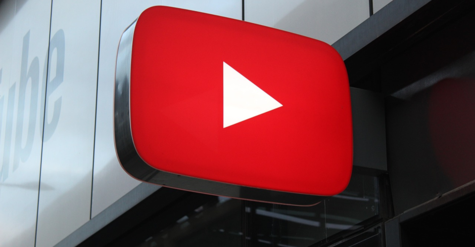 How to Stream on Youtube: Easy Steps to Get Started Right Now