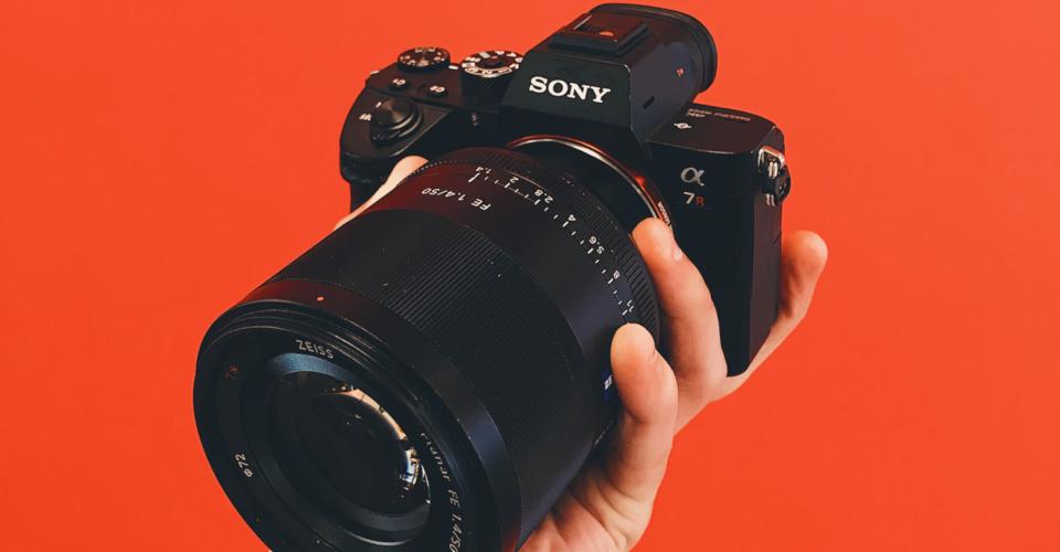 6 Best Sony Prime Lenses in 2020