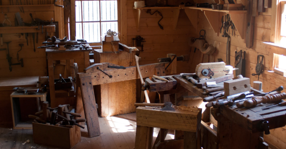 How to Build A Small Woodworking Shop at Home