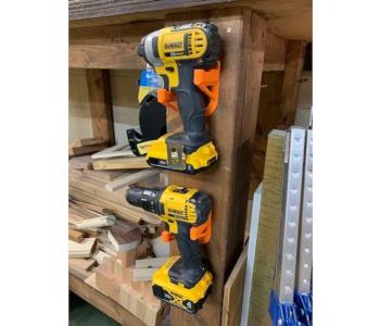 Cordless tool wall mount